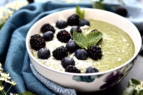 Get Your Greens Mint Smoothie Bowl (Whole 30, Paleo, GAPS, AIP, SCD, Vegan)